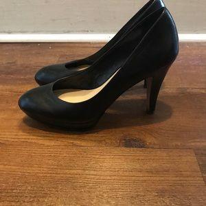 7 Franco Sarto Artist Collection black heels